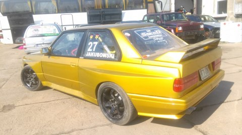 BODY-KIT BMW E30 M3 WIDE BODY +80 MM (FIBERGLASS CLOTH)