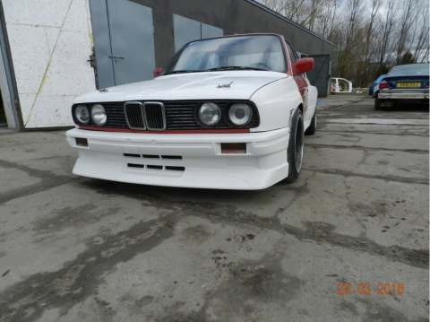 HOOD BMW E30 COUPE (FIBERGLASS CLOTH)